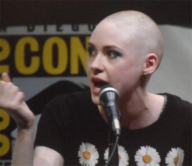 Karen Gillan bald, Nebula, Guardians of the Galaxy Comic-Con 2013