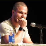 Phoenix Comicon 2014 – Stephen Amell Photo Gallery
