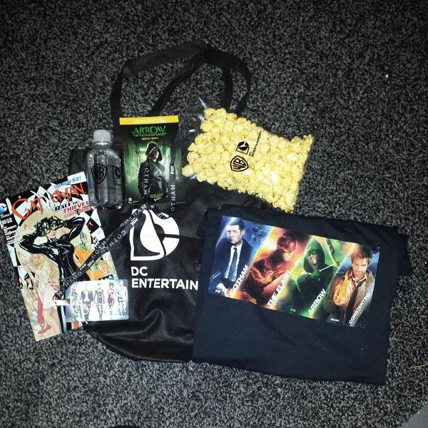 SDCC 2014, San Diego Comic-Con, Warner Bros. Television, DC Comics, swag bag