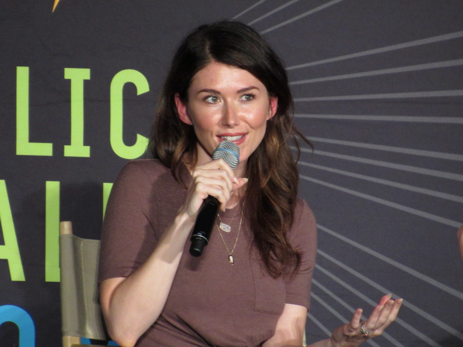 Silicon Valley Comic Con 2018: Jewel Staite - GBReviews